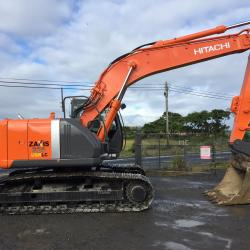 Hitachi ZX225US-3