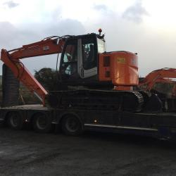 A VERY NICE HITACHI ZX135US-3 BEING DELIVERED TO A LOCAL CUSTOMER IN LEHINCH CO.CLARE
