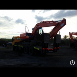 CUSTOMER FOM CO.KERRY PICKING UP HIS HITACHI ZX130LCN